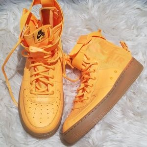 Nike OBJ Air Force 1 bright yellow NWOT boys 7y